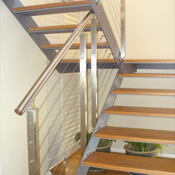Internal stairs and cable balustrades